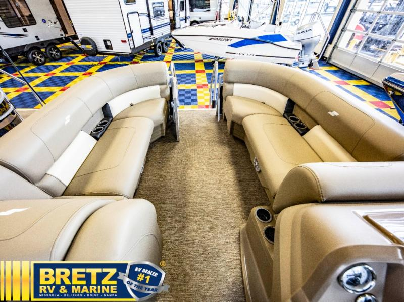 2021 Starcraft boat for sale, model of the boat is LX Series 22 R & Image # 14 of 16
