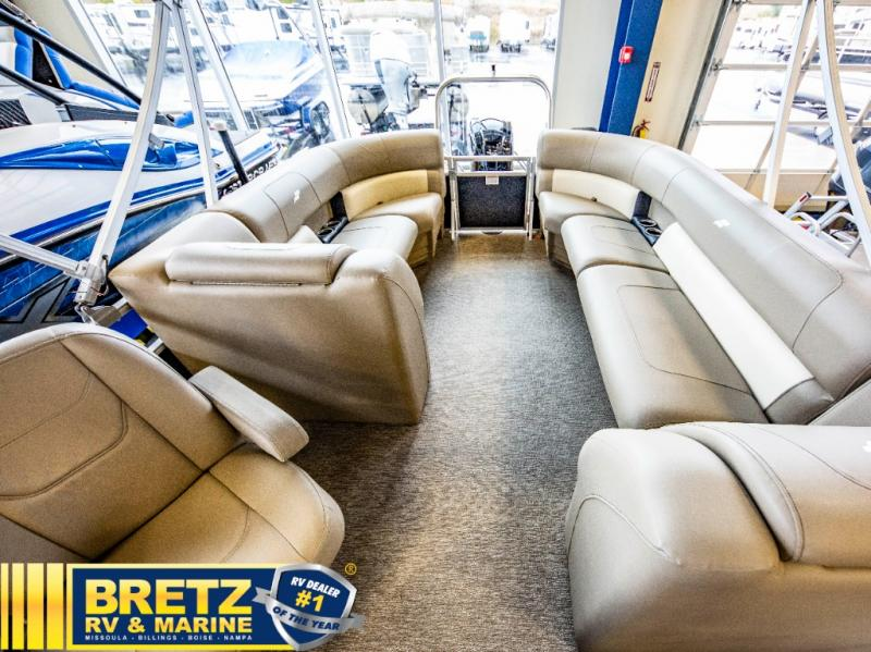 2021 Starcraft boat for sale, model of the boat is LX Series 22 R & Image # 15 of 16