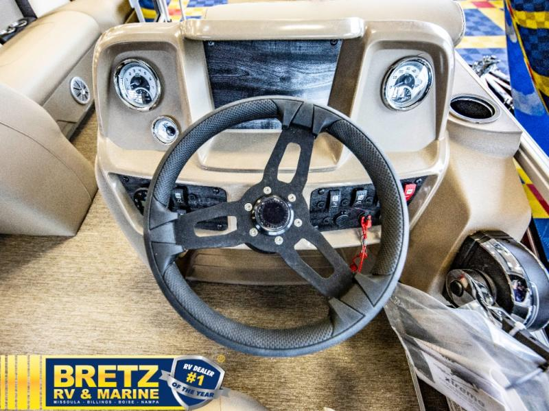 2021 Starcraft boat for sale, model of the boat is LX Series 22 R & Image # 13 of 16