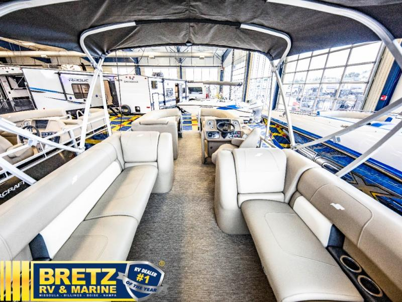 2021 Starcraft boat for sale, model of the boat is LX Series 22 R & Image # 10 of 16