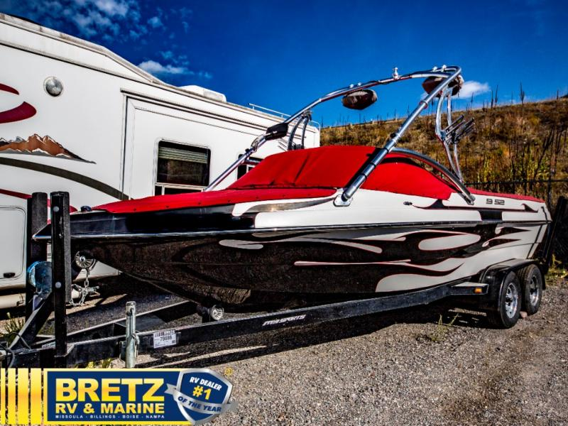 2006 MB Sports boat for sale, model of the boat is MB Sports B52 V-230 & Image # 3 of 11