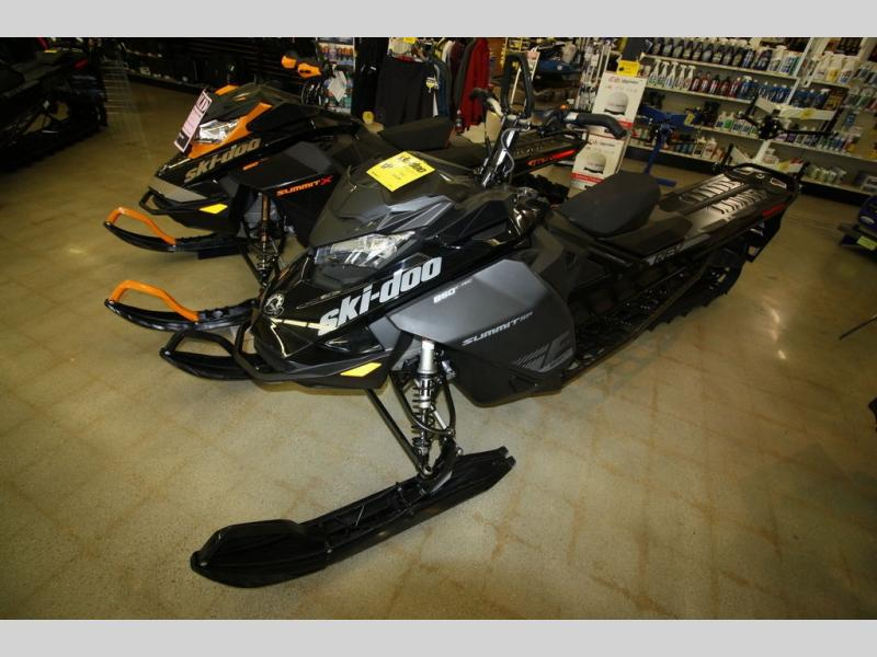 2020 Ski Doo boat for sale, model of the boat is SUMMIT SP 165 CFLD & Image # 2 of 8