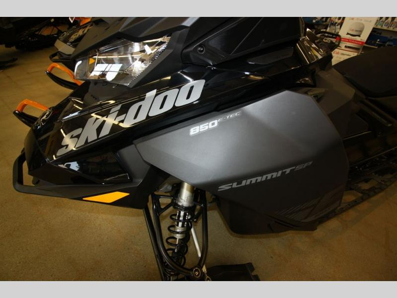 2020 Ski Doo boat for sale, model of the boat is SUMMIT SP 165 CFLD & Image # 4 of 8