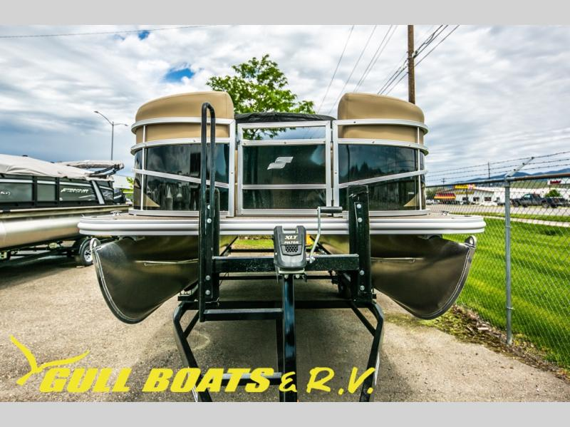 2021 Starcraft boat for sale, model of the boat is LX Series 20 R & Image # 2 of 16