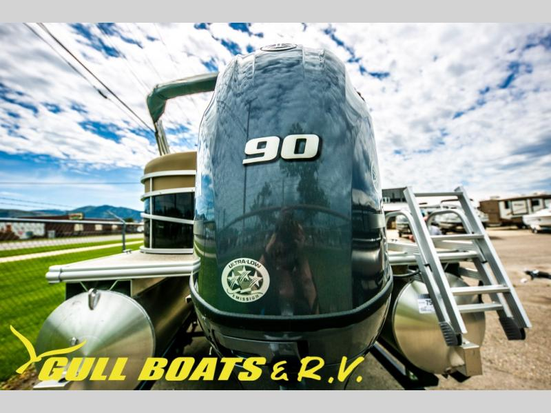 2021 Starcraft boat for sale, model of the boat is LX Series 20 R & Image # 5 of 16