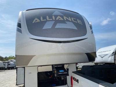 New 2021 Alliance RV Paradigm 310RL