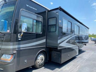 Used 2008 Fleetwood RV Discovery 39R