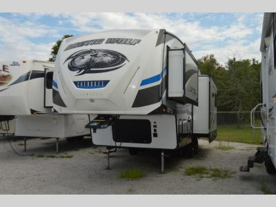 Used 2018 Forest River RV Cherokee Arctic Wolf 285DRL4