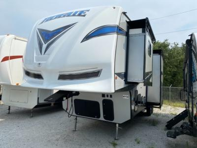 Used 2020 Forest River RV Vengeance Rogue 324A13