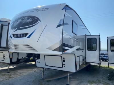 New 2022 Forest River RV Cherokee Arctic Wolf 321BH