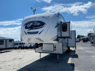 New 2022 Forest River RV Cherokee Arctic Wolf Suite 3880