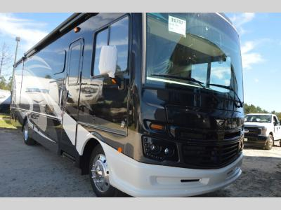 New 2019 Fleetwood RV Bounder 33C