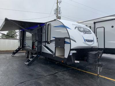 New 2021 FOREST RIVER CHEROKEE 26DBH