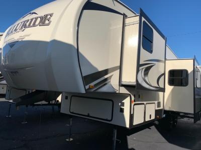 New 2021 Starcraft Telluride 296BHS