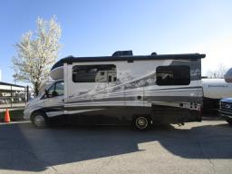 Used 2017 Dynamax isata 3 24FW Photo