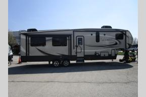 New 2019 Keystone RV Laredo Super Lite 296SBH Photo