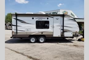 New 2018 Forest River RV Wildwood X-Lite 201BHXL Photo