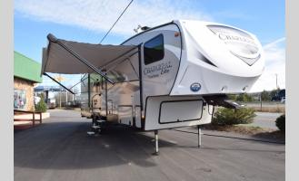 New 2018 Coachmen RV Chaparral Lite 295BH Photo