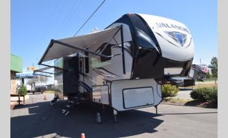 New 2019 Keystone RV Avalanche 379BH Photo