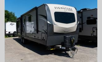 New 2021 Forest River RV Rockwood Signature Ultra Lite 8329SS Photo