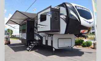 New 2019 Keystone RV Avalanche 383FL Photo
