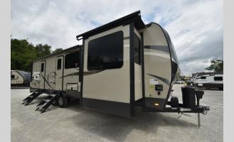 New 2021 Forest River RV Rockwood Signature Ultra Lite 8324BS Photo