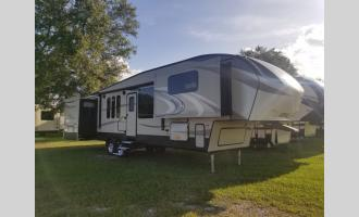 Used 2017 Keystone RV Cougar 337FLS Photo