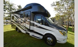Used 2018  Tiffin WAYFARER 24BW Photo