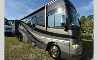 Used 2006 Winnebago Adventurer 37B Photo