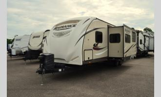 Used 2016 Cruiser Radiance 28BHSS Photo