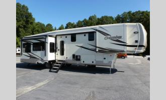 New 2019 Palomino Columbus F383FB Photo