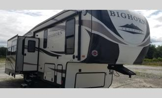 Used 2017 Heartland Bighorn Traveler 32RS Photo