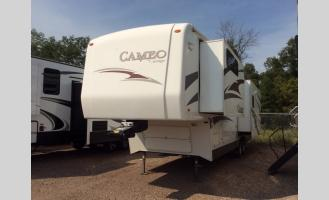 Used 2010 Carriage Cameo 35SB3 Photo