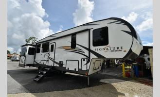 New 2020 Forest River RV Rockwood Signature Ultra Lite 8298KS Photo