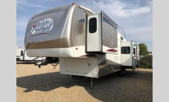 Used 2006 Forest River RV Cardinal 37RL Photo