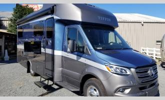New 2021 Tiffin Motorhomes Wayfarer 25 LW Photo