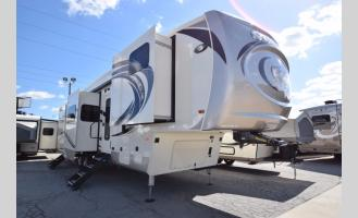 New 2018 Palomino Columbus F386FK Photo