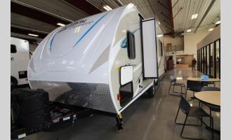 New 2018 Coachmen RV Freedom Express Pilot 20BHS Photo