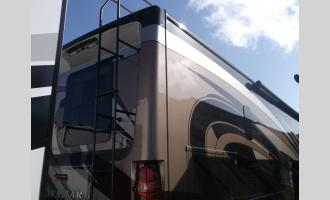 New 2018 Thor Motor Coach Miramar 34.2 Photo
