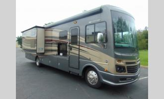 Used 2017 Fleetwood RV Bounder 36H Photo