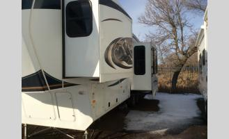 Used 2011 Keystone RV Montana 3585SA Photo