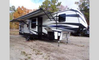 Used 2018 Keystone RV Fuzion 429 Photo