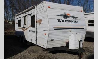 Used 2004 Heartland Wilderness 250FQ Photo