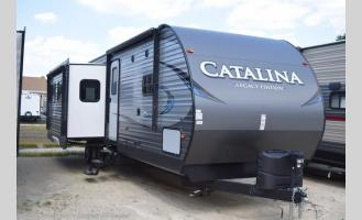 New 2019 Coachmen RV Catalina Legacy Edition 333BHTSCK Photo