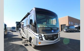 Used 2018 Holiday Rambler Vacationer XE 32SA Photo