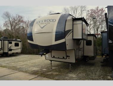 New 2019 Forest River Flagstaff Super Lite 2896MB Fifth Wheel RV For Sale (1)