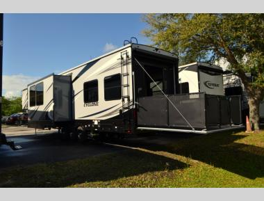 New 2020 Heartland Cyclone 4101 Fifth Wheel Toy Hauler RV For Sale (1)