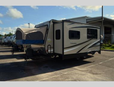 Used Coachmen Freedom Express 22DSX Travel Trailer RV For Sale (1)