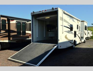Used 2009 Four Winds Fun Mover Super Class C Diesel Motor Home RV For Sale (1)
