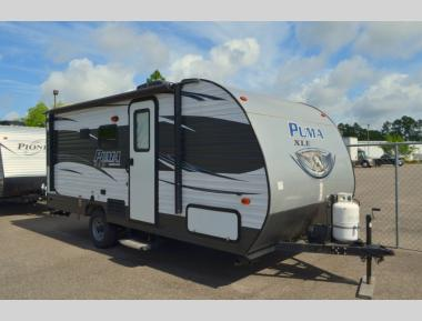 Used 2017 Palomino Puma XLE 17QBC Travel Trailer RV For Sale (1)
